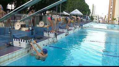 Equipe de natação paraibana vive bom momento, com muitas medalhas conquistadas - Atletas do Cabo Branco conquistaram 41 medalhas no Troféu Nordeste Sérgio Silva, em Recife, e se preparam para o Brasileiro Infantil