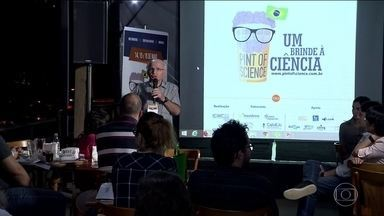 Festival leva discussões científicas para mesas de bar em 21 países - São Carlos, no interior de São Paulo, é um dos principais pontos de encontro no Brasil
