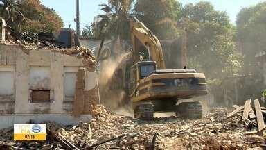 Começa limpeza de local que teve prédio demolido em Presidente Prudente - No espaço funcionava a Cati.