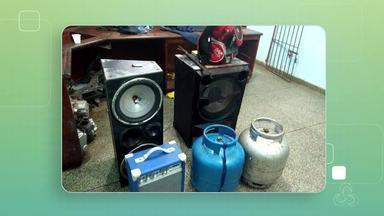Apartamento no Macapaba é usado para guardar produtos roubados, diz polícia - Até uma moto está entre o material apreendido. Polícia chegou ao apartamento depois de receber uma denúncia anônima.