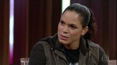 Amanda Nunes fala sobre suas fraquezas e sobre apoio da namorada - Nina, namorada da lutadora, é psicóloga. Lutadora afirma que uma de suas derrotas a acordou para a vida