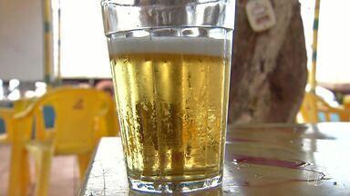 Consumo precoce de bebida alcoólica por adolescentes e jovens preocupa autoridades - O consumo e a venda de bebida alcoólica é considerado um problema de segurança e saúde pública.
