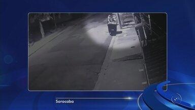 Câmeras de segurança flagram tentativa de assalto em Sorocaba - Câmeras de segurança registraram a violência de um ladrão durante uma tentativa de assalto, em Sorocaba (SP). O caso foi na quarta-feira da semana passada, dia 9 de maio.