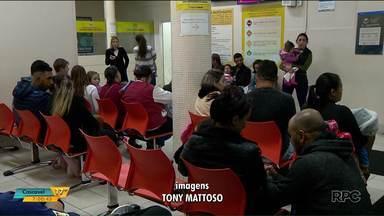 Pacientes reclamam da demora no atendimento no Pequeno Príncipe - Ontem (17) o hospital estava lotado.