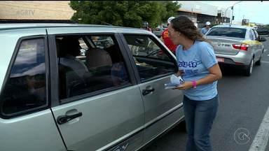 Motoristas e pedestres são alertados sobre importância de denunciar crime de abuso sexual - Ação marcou o Dia Nacional de Enfrentamento ao Abuso e a Exploração Sexual de Crianças e Adolescentes.