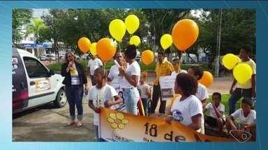 Moradores vão às ruas protestar contra abuso sexual de crianças em São Mateus, ES - Mobilização acontece no Dia Nacional de Combate ao Abuso e à Exploração Sexual de Crianças e Adolescentes.
