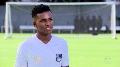 Com apenas 17 anos, precoce Rodrygo é a arma do Santos para clássico - Jogador, que vem das categorias de base, se inspira em Pelé e sonha em ser o melhor do mundo.
