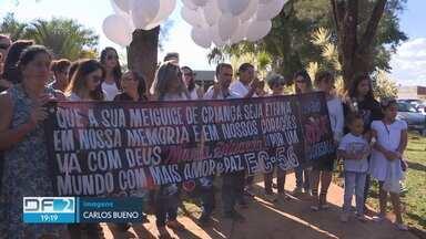 Menina de cinco anos morta a tiros é enterrada em Taguatinga - Pra polícia, Maria Eduarda é mais uma vítima da briga entre gangues, que preocupa, principalmente, em Planaltina, São Sebastião e Ceilândia.