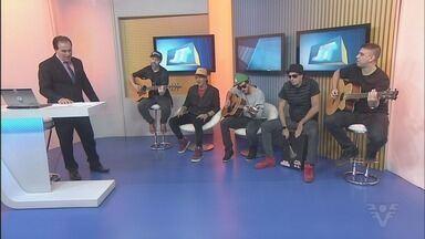 Banda Aliados lança primeiro DVD acústico da carreira - Com 20 músicas, trabalho mescla canções inéditas com versões exclusivas dos principais sucessos da banca, que completa 17 anos de carreira.