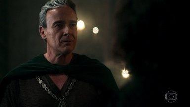 Otávio chega ao Conselho da Cália - Afonso se surpreende ao vê-lo e teme que sua volta ao conselho prejudique seus interesses