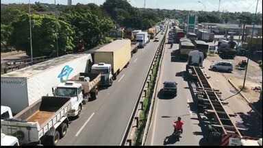 Confira como estão as interdições nas estradas da Paraíba - Alguns pontos foram liberados pelos caminhoneiros.