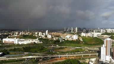 Previsão do tempo: Salvador tem chance de chuva de 70% para a terça-feira (29) - Saiba também como ficam as temperaturas na capital baiana.