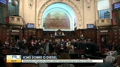 Alerj deve votar proposta que reduz ICMS sobre o diesel - A votação estava prevista para esta terça-feira (29). Mas os deputados estaduais não chegaram a um consenso e a matéria deve ser apreciada nesta quarta-feira (30). O ICMS cairia de 16% para 12%.
