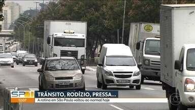 Rotina volta ao normal em São Paulo - Após filas quilométricas nos postos de combustível, a cidade está voltando ao normal.