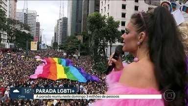 Parada LGBT 2018 reúne 3 milhões de pessoas - Participantes saíram da avenida Paulista e caminharam até o Vale do Anhangabaú.