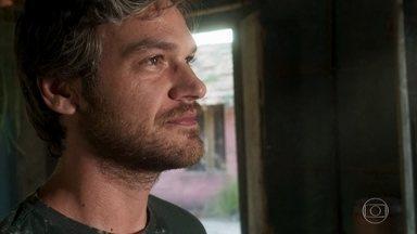 Beto pensa em Luzia - Ele se instala na casa de Cacau em Boiporã