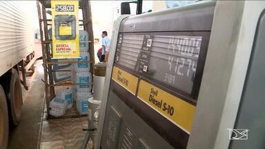 Motoristas ainda reclamam do preço do combustível no Maranhão - Motoristas ainda reclamam do preço do combustível no Maranhão. Em Imperatriz, o preço baixou, mas em alguns postos a redução é foi suficiente.