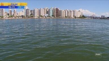 Laboratório faz testes no mar da Beira-mar Norte para checar projeto de despoluição - Laboratório faz testes no mar da Beira-mar Norte para checar projeto de despoluição