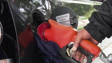 Motoristas reclamam do preço da gasolina nas bombas depois da greve dos caminhoneiros - Depois da greve, a expectativa era de que o preço baixasse.
