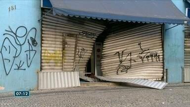 Comerciantes reclamam de insegurança no Centro de Vitória - Lojas são arrombadas.