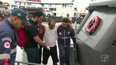 Lancha que faz linha para o Tapará afunda durante travessia em Santarém - Equipes da Marinha e um barco pesqueiro estão na área fazendo buscas; duas pessoas estariam desaparecidas.