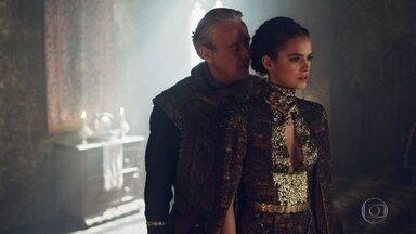 Catarina dá tapa na cara de Otávio - Ela se nega a beijar o Rei de Lastrilha