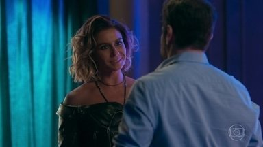 Luzia/Ariella apoia Edgar - Manuela decide voltar para a casa do pai