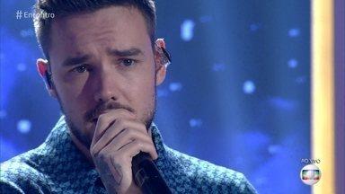 Liam Payne canta 'Bedroom Floor' - Cantor se apresenta no palco do 'Encontro'