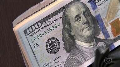 Dólar vai a R$ 3,92 - Ações do governo depois da greve dos caminhoneiros afastam invenstidores. Sardemberg comenta.
