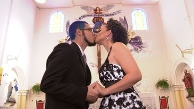 Um casamento diferente, com trilha de cinema - Conheça o casal que realizou a cerimônia de casamento ao som da Marcha Imperial, de Star Wars.