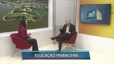 Educador financeiro dá dicas de como administrar as contas do dia a dia, no AP - Reinaldo Domingos, presidente da Associação Brasileira de Educadores Financeiros, fala sobre como lidar melhor com o dinheiro