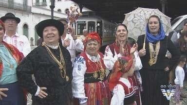Comunidade portuguesa se reúne para comemorar o Dia de Portugual - No Valongo, em Santos, comemorações são regadas de muita música e grupos folclóricos.