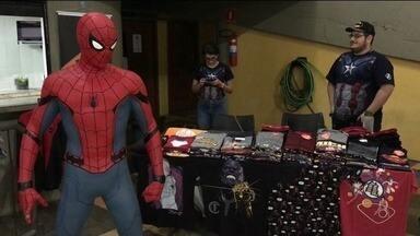 Evento reúne cosplays e fãs de mangás em Cachoeiro de Itapemirim, ES - Atividades fazem parte da chamada cultura nerd.