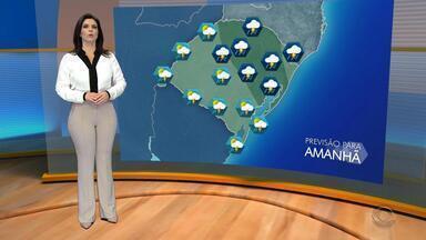 Tempo: volta a chover em todas as regiões do RS neste domingo (10) - Há risco para temporais em algumas cidades.