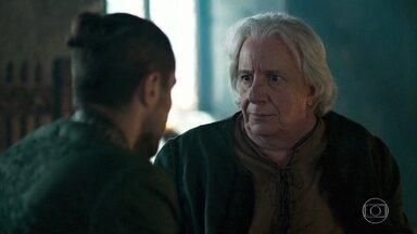 Augusto conta com ajuda de Virgílio para enganar Catarina - O Rei de Artena trama contra a própria filha e pede que Virgílio procure Héber