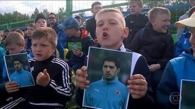 Criançada alegra treino do Uruguai - Filhos e sobrinhos de jogadores participam do primeiro treino uruguaio em solo russo