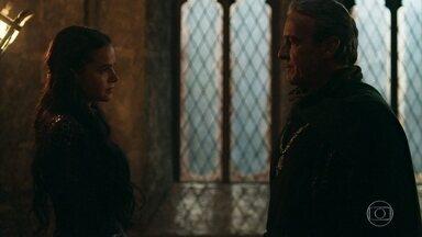 Rei Otávio pede uma reunião de urgência com o conselho - Ele tem pressa em coroar Catarina, rainha de Artena