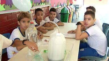 Estudantes mostram criatividade e inovação nas feiras de ciências das escolas - Estudantes mostram criatividade e inovação nas feiras de ciências das escolas