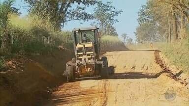 Comunidade aguarda por asfaltamento de BR há mais de 60 anos em Delfinópolis (MG) - Comunidade aguarda por asfaltamento de BR há mais de 60 anos em Delfinópolis (MG)