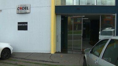 Cinco funcionários são demitidos da Prefeitura de Londrina - Eles trabalharam por 30 anos sem concurso público.
