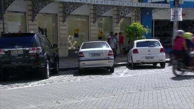 Zona Azul inicia cobrança de taxa no dia 30 deste mês - Sistema de estacionamento rotativo funciona no Centro de Manaus.
