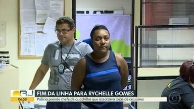 Polícia prende mulher de 20 anos apontada como chefe de quadrilha que assaltava lojas - A Polícia Civil prendeu uma mulher apontada como chefe de uma quadrilha que assaltava lojas de departamentos e de celulares. Imagens de câmeras de segurança ajudaram a identificar Rychelle Gomes, de 20 anos.