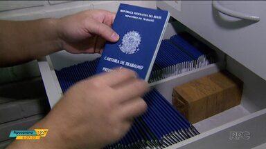 Agência do trabalhador de Londrina suspende a emissão da carteira de trabalho - A explicação é a grande procura, a agência não estava dando conta dos documentos pendentes.