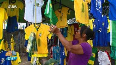 Comércio de Salvador já sente os efeitos das vendas para a Copa do Mundo - A reportagem foi às ruas conferir as novidades.