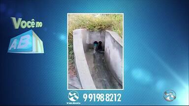 'Você no ABTV' mostra problemas de esgoto e vazamento - Problemas foram registrados em Caruaru.