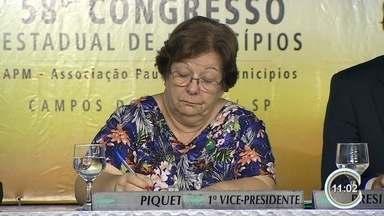 Câmara de Piquete cassa mandato da prefeita Teca Gouvêa (PSB) - Prefeita era alvo de uma CPI na Câmara que apurava o abandono de cinco imóveis públicos na cidade. Vice foi empossado como novo chefe do Executivo no início da tarde desta quarta-feira (13).