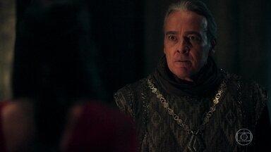 Otávio prende Catarina e avisa que Augusto será removido - Virgílio escuta a discussão dos dois atrás da porta
