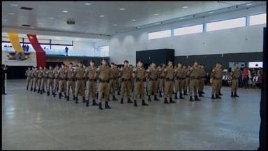 Novos soldados da PM se formam em Divinópolis - Depois de sete meses de treinamento e preparação, 68 novos soldados integram o policiamento da região.