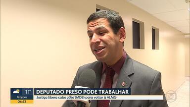 TJ permite que Cabo Júlio, condenado por corrupção e fraude, volte a trabalhar na ALMG - Parlamentar estadual mineiro foi condenado por envolvimento em esquema de desvio de dinheiro público na área da saúde.