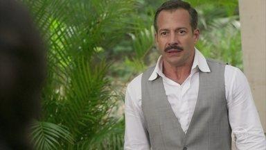 Brandão pede que Mariana vá embora e ela se sente rejeitada - Josephine sofre ao descobrir que o ex-amante se apaixonou por Mariana e o confronta